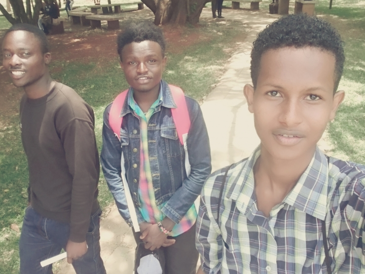 Yusuf Mahat & Friends: Out and about on Campus